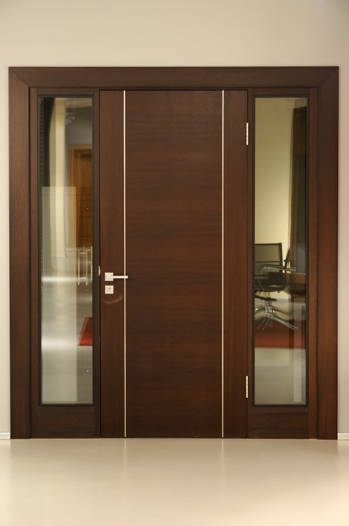 Direktora-kabineta-durvis